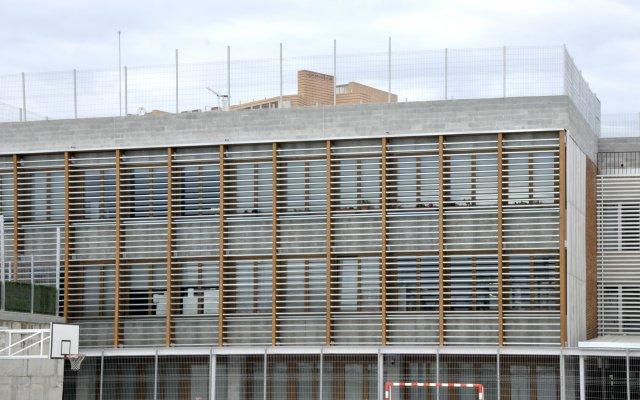 Obra nueva escuela en sabadell carinbisa fabricante nacional ventana madera y madera - Obra nueva en sabadell ...