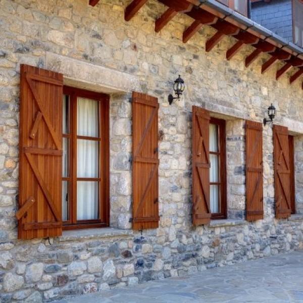 Cat logo de productos carinbisa fabricante nacional for Porticones madera exteriores